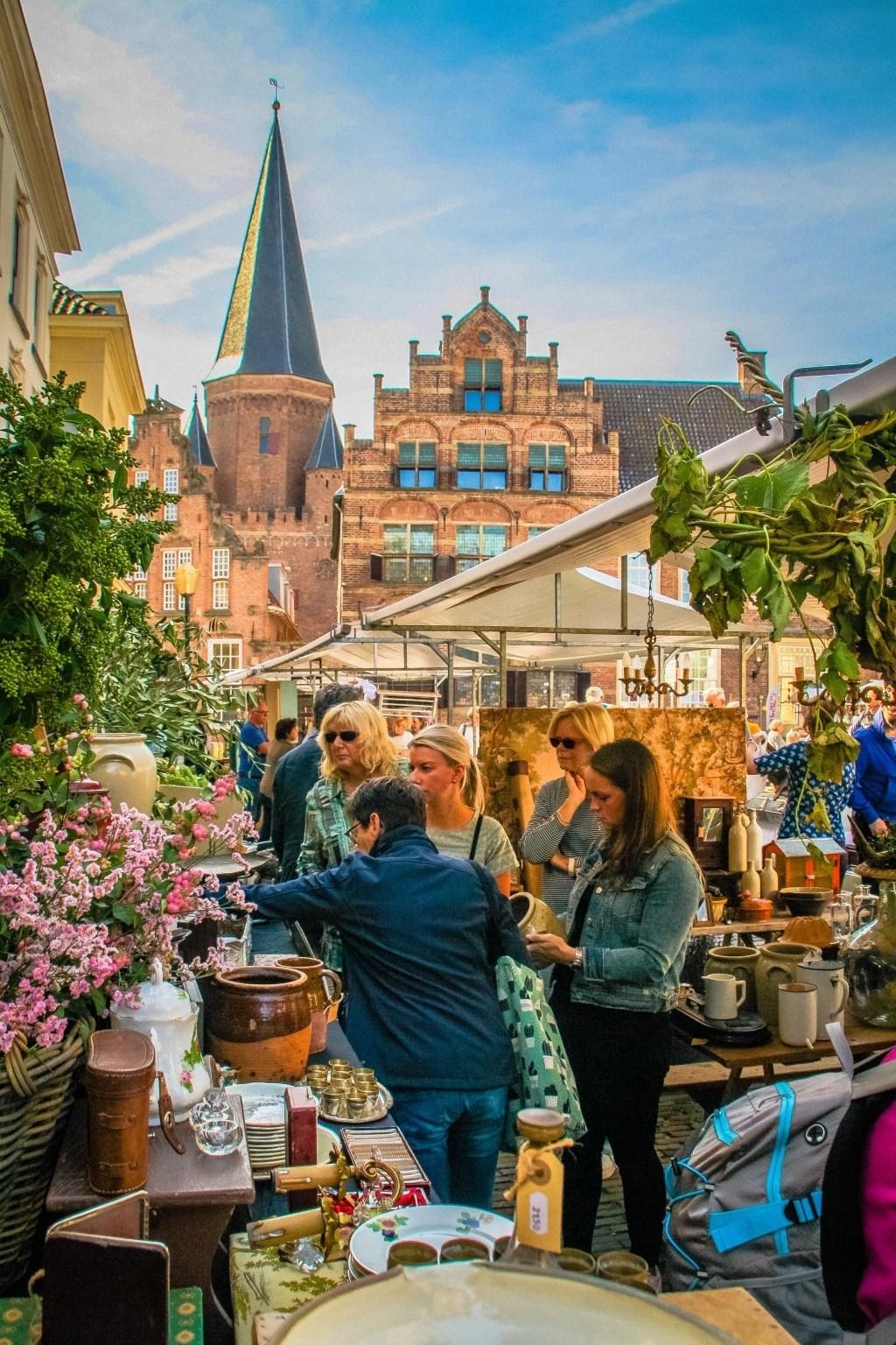 Kramen vol brocante in centrum Zutphen. Foto: PR  © Achterhoek Nieuws b.v.