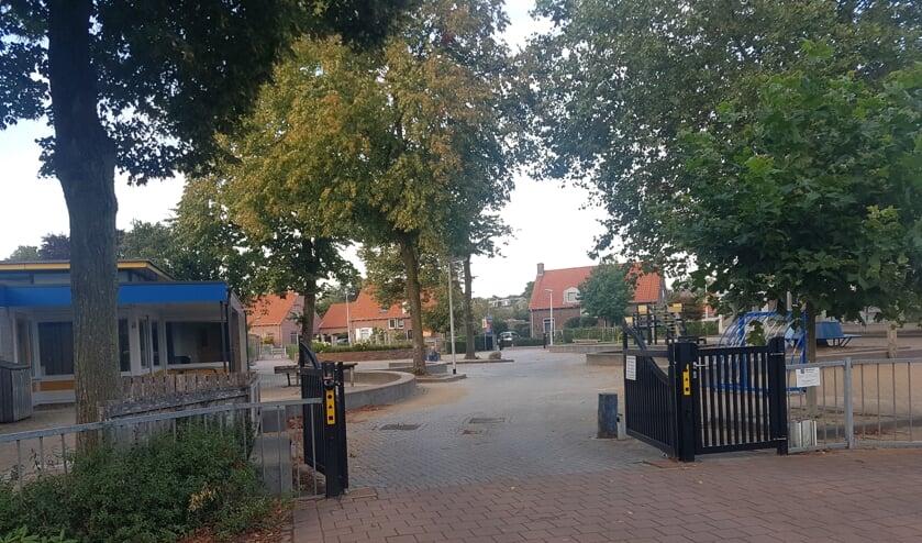 Deze doorgang van de Hollandse Schans is tijdens schooluren niet meer open. Foto: Kyra Broshuis
