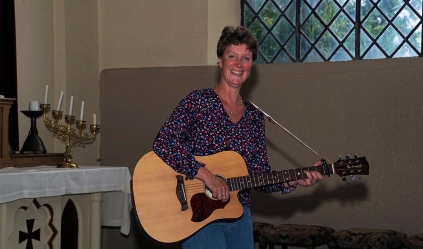 Wilma Pastors gaat op herhaling in de Breedenbroekse kerk. Foto: Frank Vinkenvleugel