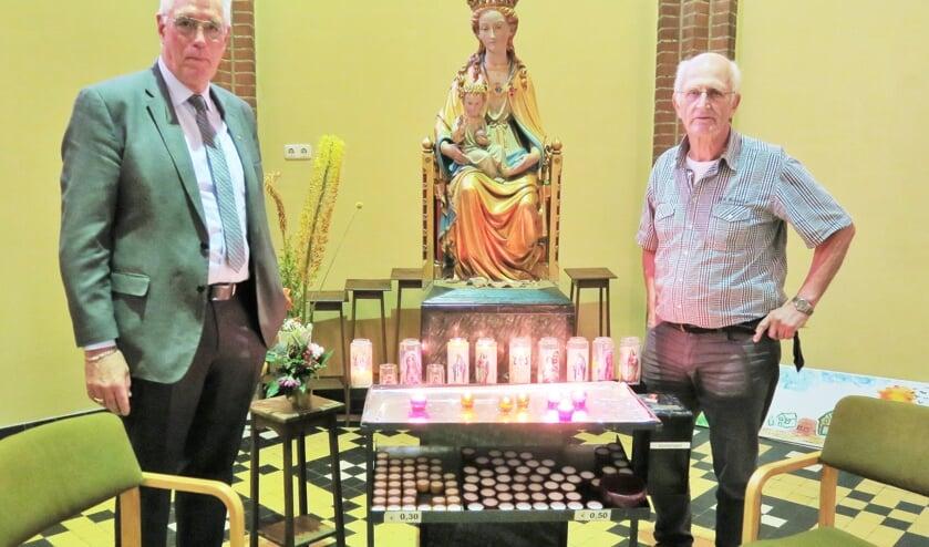 Links Cor Peters en rechts Gerard Slotman. Foto: Theo Huijskes