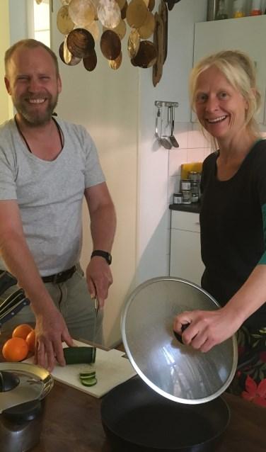 Initiatiefnemer Patrick Goossens en kookdocente Marij Verhaevert. Foto: PR