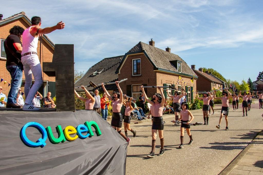 De publieksprijs was voor Queen en I want to break free van de Julianalaan. Foto: Achterhoekfoto.nl/Liesbeth Spaansen  © Achterhoek Nieuws b.v.