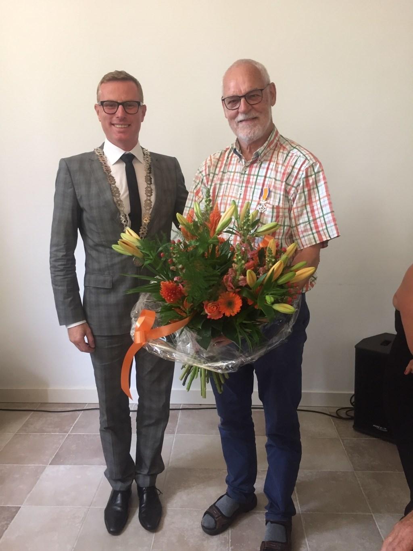 Loco-burgemeester Willem Buunk en Wim Jansen. Foto: PR  © Achterhoek Nieuws b.v.