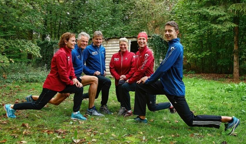 De trainers van Sneeuwfit Zutphen staan in de startblokken om te beginnen met de wintertraining. Foto: PR