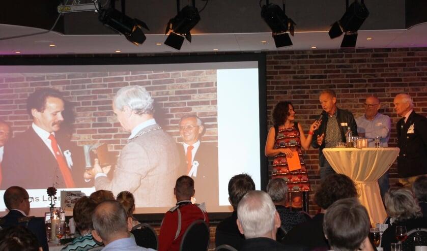 Marlies Claasen in gesprek met oud-voorzitter Laurens Leemreize. Foto: Dinès Quist