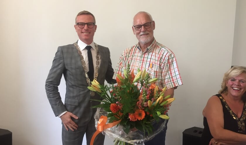 Loco-burgemeester Willem Buunk en Wim Jansen. Foto: PR