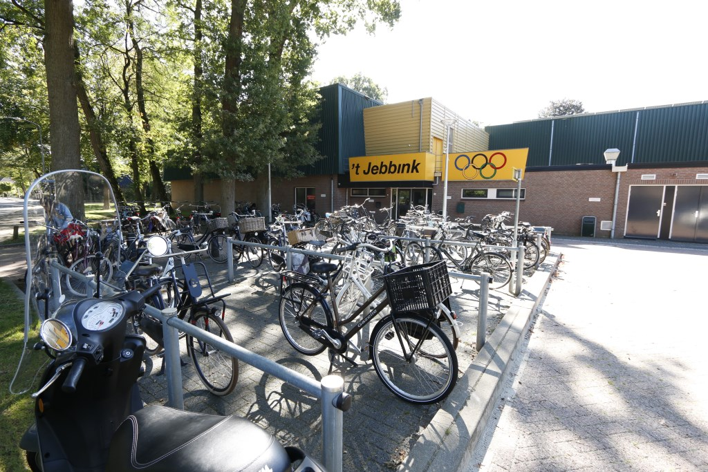 Sporthal 't Jebbink aan Het Jebbink in Vorden. Foto: Gerhard Weevers  © Achterhoek Nieuws b.v.