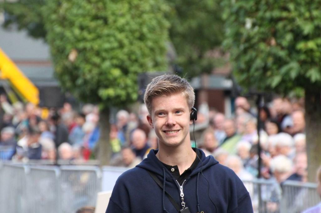 De jonge ontwerper Chris Kleverwal is zichtbaar tevreden. Foto: Annekée Cuppers  © Achterhoek Nieuws b.v.