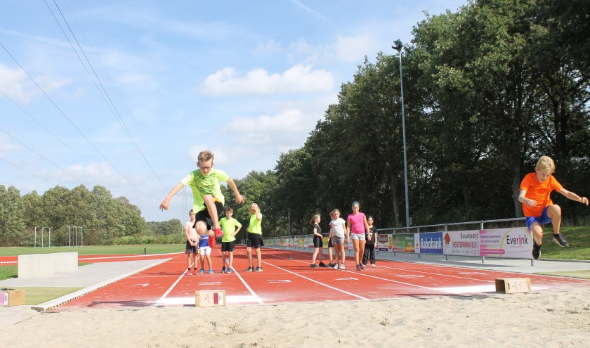 Volop actie voor de leerlingen tijdens de Needse Sportweek. Foto: PR