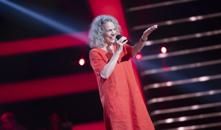 Josée van der Staak uit Vorden ziet bij de Blind Audition vier stoelen voor haar draaien. Foto: PR Talpa