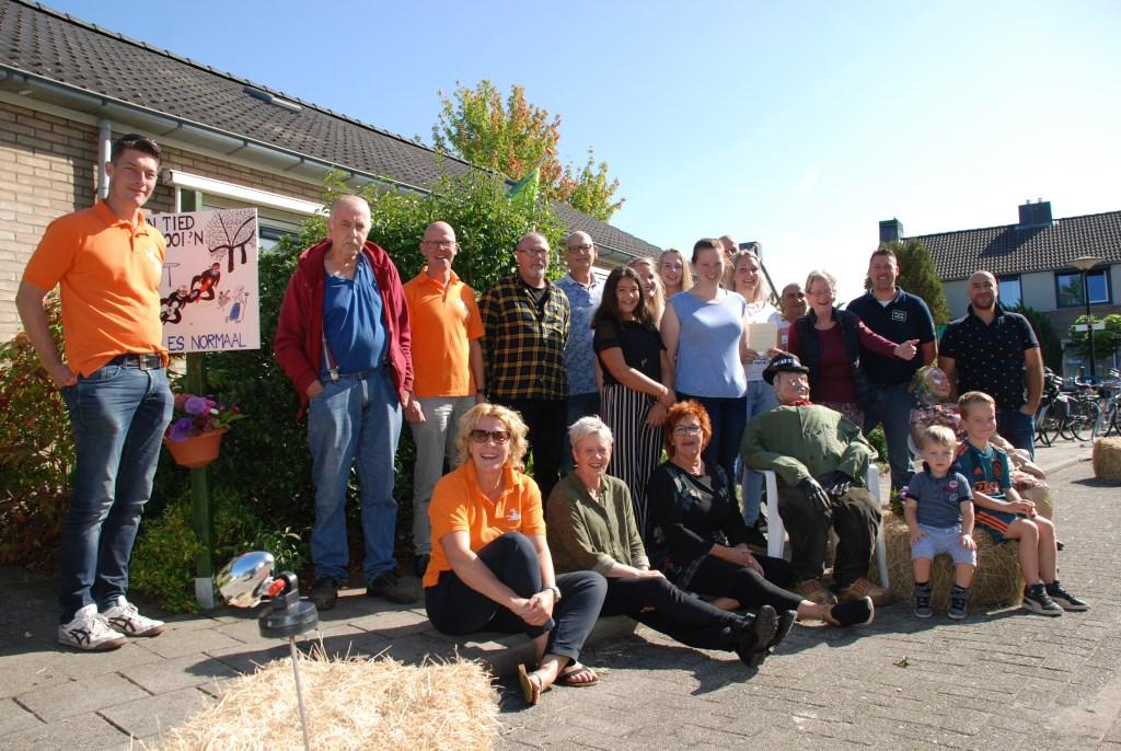 De PlusWijs aanmoedigingsprijs werd gewonnen door de Maurtislaan. Foto: Leendert Koertse.   © Achterhoek Nieuws b.v.