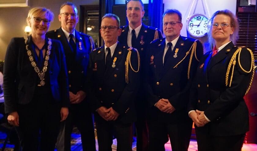 V.l.n.r.: Burgemeester Marianne Besselink, Marcel Boekholt, Jeroen Broekman, Ivo Somsen, Erik Bulten en Dianne Bulten. Foto: Ursula Bos.