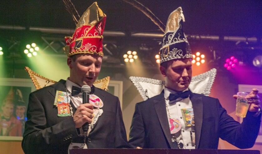 Prins Ramon (l) en adjudant Chris zijn de nieuwe hoogheden van de Noamatters uit Eefsele.
