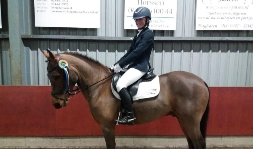 Chantal Nijhof met haar pony Kwint van Orchid's. Foto: eigen foto