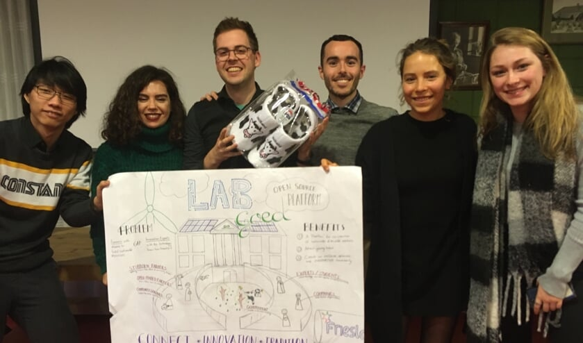 Het 'winnende' team, met het idee 'Labgoed'. Foto: Hans Leeflang