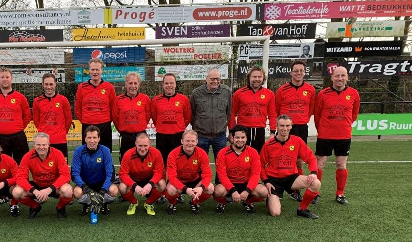 De 'oudjes' van VV Ruurlo die zaterdag aantraden tijdens de Nieuwjaarswedstrijd. Foto: PR.