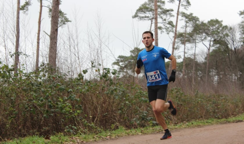 Jordy Kloet op weg naar de zege op de 10 km. Foto: Mark Heister