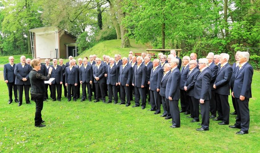 Mannenzangvereniging Inter Nos uit Groenlo zoekt versterking.