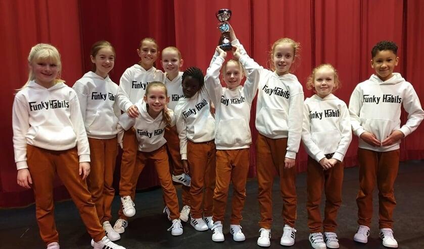 Funky Habits met behaalde prijs. Foto: PR Penta Winterswijk
