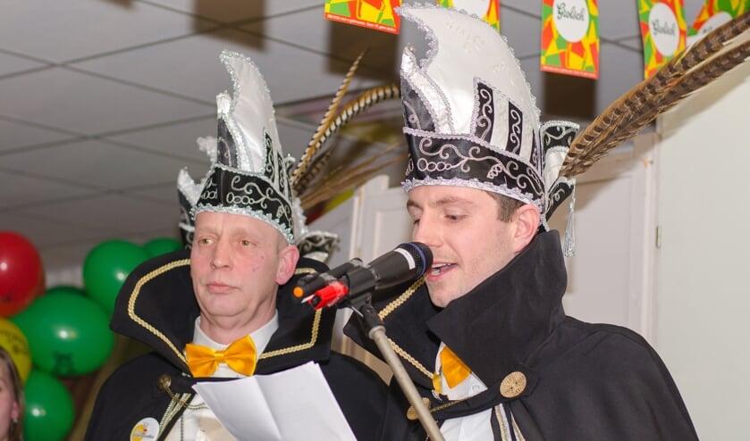 Prins Roy (rechts) en zijn adjudant Richard IJzereef. Foto: Bjorn Wopereis,