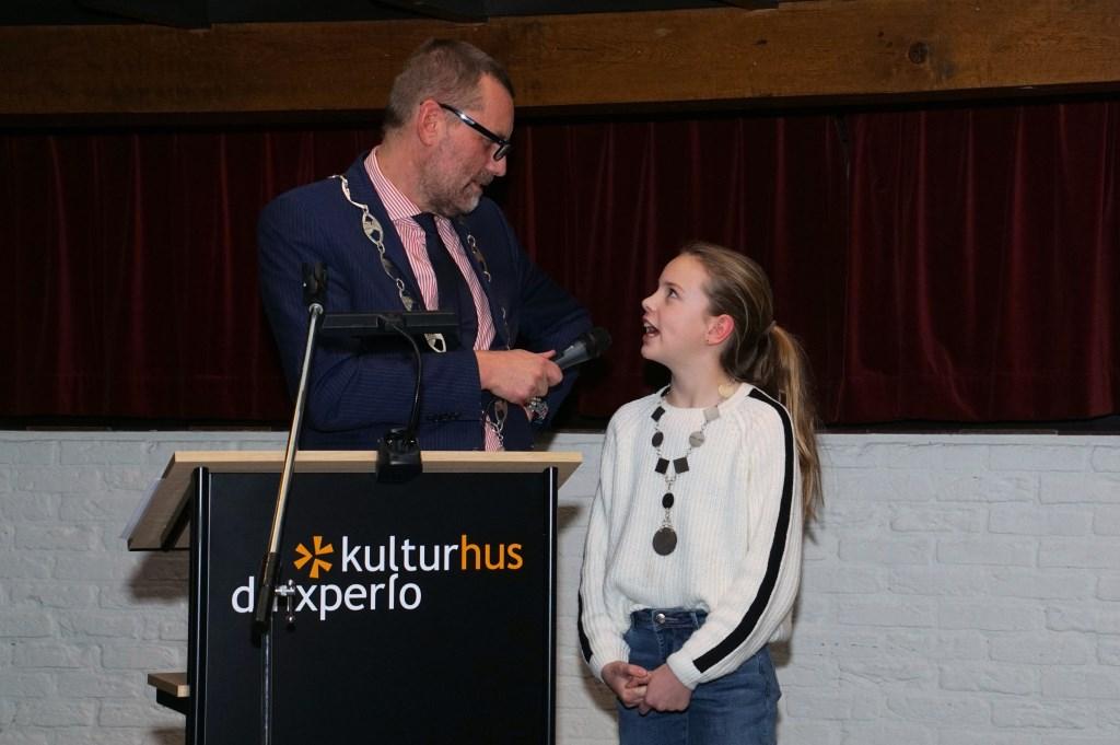 Kinderburgemeester Rosanna Lohuis. Foto: Frank Vinkenvleugel  © Achterhoek Nieuws b.v.