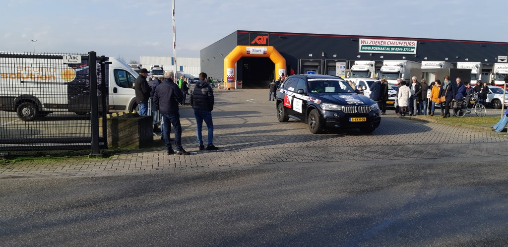 Een vertrekkende equipe. Foto: Ferry Broshuis  © Achterhoek Nieuws b.v.