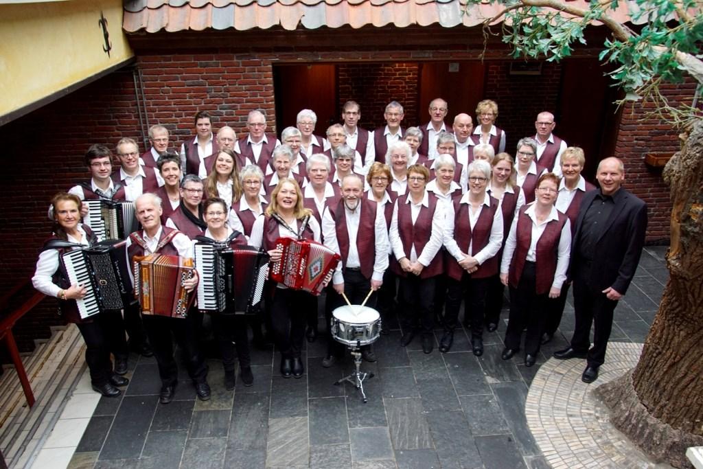 De Varsseveldse Akkordeon Vereniging is opgericht in 1960 en bestaat momenteel uit ongeveer vijftig leden. Foto: PR.   © Achterhoek Nieuws b.v.