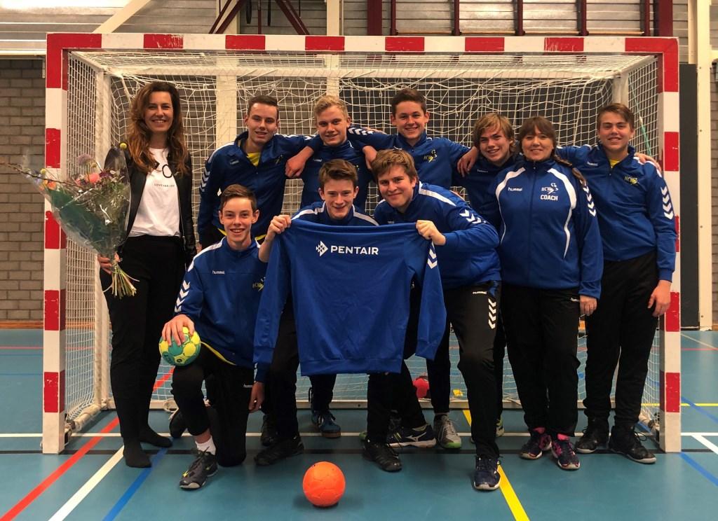 Nieuwe sponsoren voor HCW B-jongens. Foto: PR   © Achterhoek Nieuws b.v.
