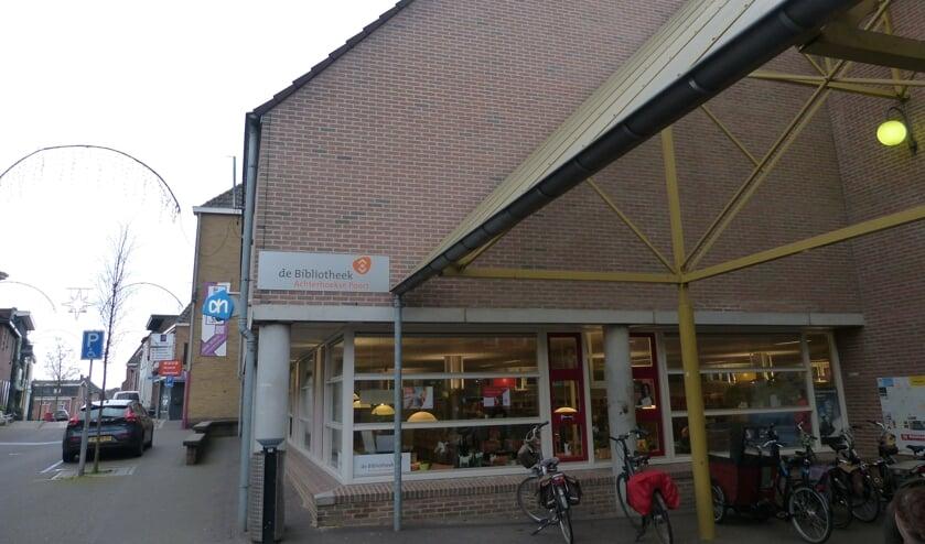 Bibliotheek wordt verplaats ten behoeve van uitbreiding supermarkt. Foto: Bernhard Harfsterkamp