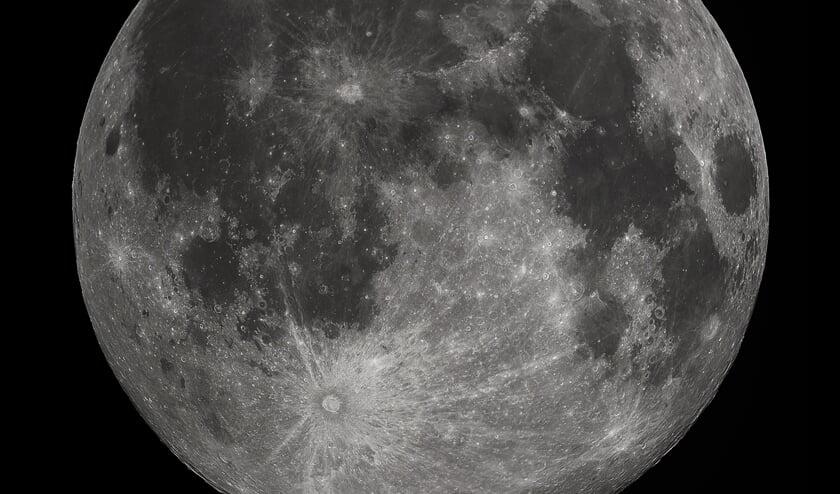 Volle maan rond Zieuwent. Foto: Gregory H. Revera/Wikimedia Commons