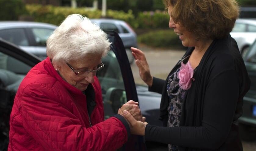 Ouderen een plezierig uitstapje bezorgen, dat doet Stichting Vier het Leven. Foto: PR