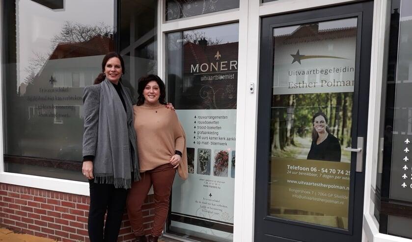 Links Esther, rechts Monique. Foto: Sis Huiskamp