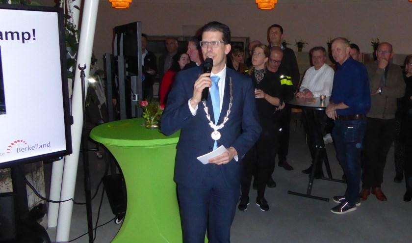 Burgemeester joost van Oostrum tijdens zijn nieuwjaarstoespraak. Foto: Rob Weeber