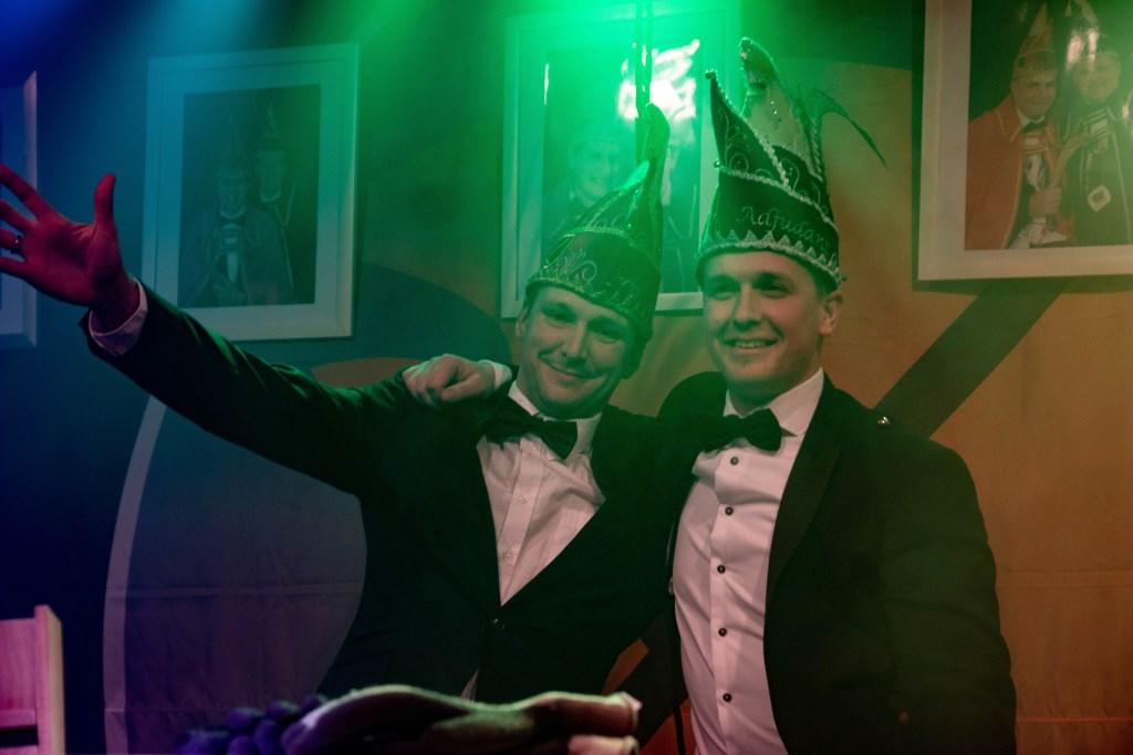 Prins Ramon (l) en adjudant Chris zijn de nieuwe hoogheden van De Noamatters uit Eefsele. Foto: Marcel Houwer © Achterhoek Nieuws b.v.