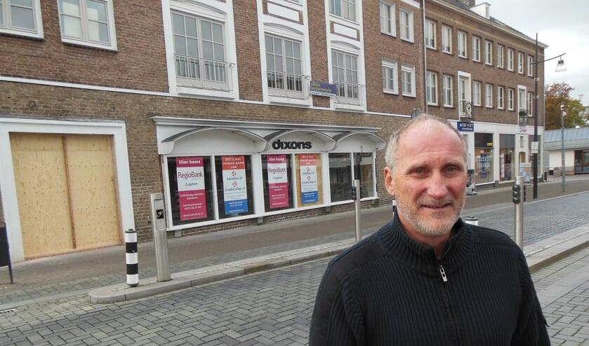<p>Arthur Janssen: &ldquo;We realiseren een kantoor dat de samenwerking tussen Advidens en RegioBank met een soort winkelfunctie optimaal gestalte geeft.&rdquo; Foto: Eric Klop </p>