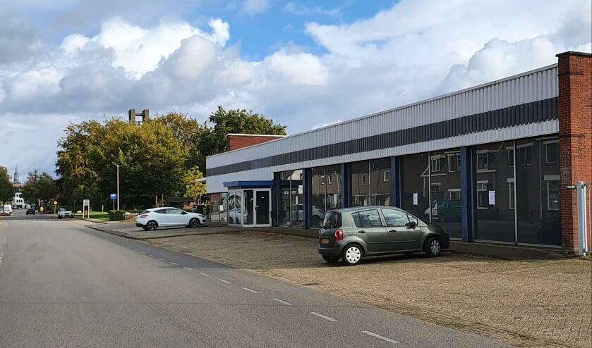 <p>In mei 2021 verhuist de SOM naar het pand waarin voorheen Auto Arink was gevestigd aan de Ruurloseweg. Foto: Henri Walterbos</p>