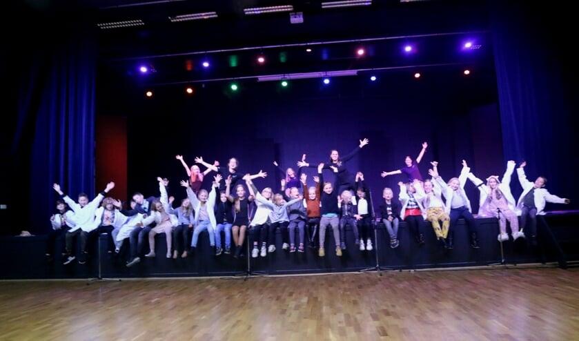 Enthousiasme bij de de groep tijdens de allereerste voorstelling. Foto Jaime Lebbink