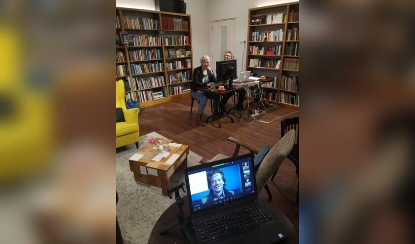 <p>De Tegenlicht Meet Up in de Koppelkerk, met Linda van der Berg als moderator. Foto: PR</p>