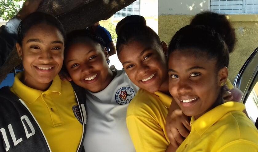 <p>Kinderen kunnen een opleiding volgen met hulp van de stichting. Foto: Rien van der Walal</p>