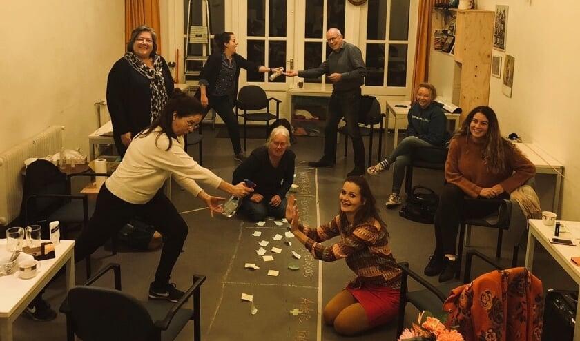 Tijdens de brainstormavond van Theaterproject De Hoven werd veel inspiratie opgedaan voor een nieuwe voorstelling. Foto: PR