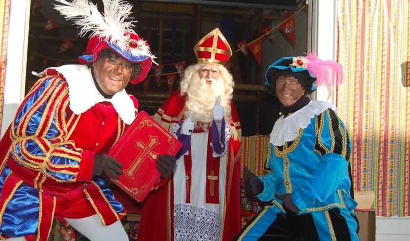 <p>Aan het eind van de rit wacht Sinterklaas. Foto: Verona Westera</p>