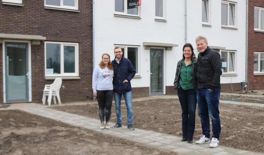 <p>V.l.n.r. Emily Bohan en Willem Wisselink, en Tanja en Erwin Pompe. Foto: Arjen Dieperink</p>