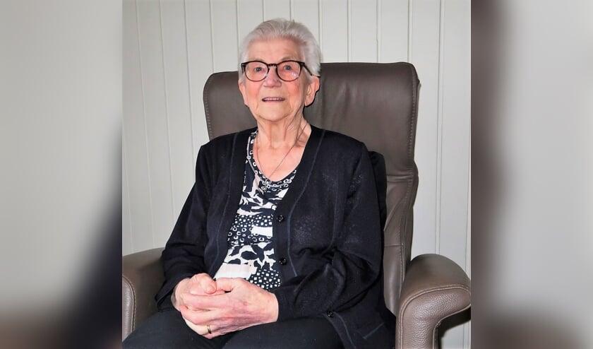 Marietje Reukers-Harbers (88) blikt terug op de Tweede Wereldoorlog. Foto: Theo Huijskes