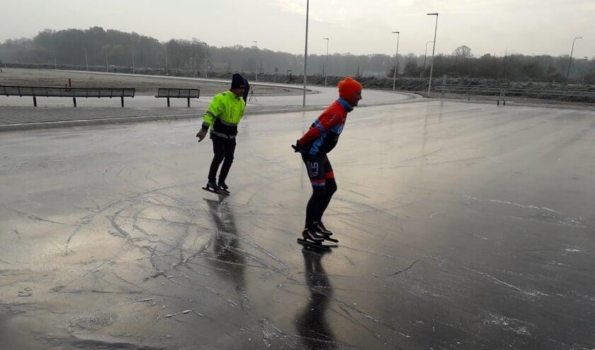 Natuurijs gemaakt op Winterswijkse ijsbaan. Foto: PR Winterswijkse IJsvereniging
