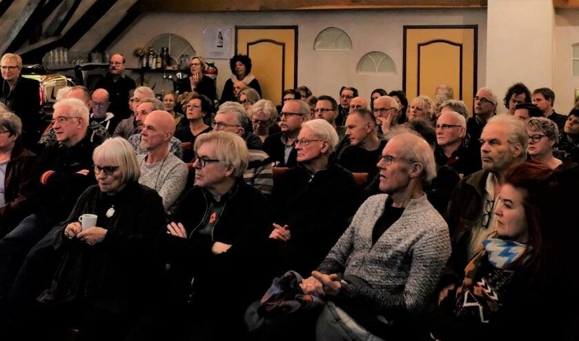 <p>Achterhoeks Kunstcaf&eacute;-avond. Foto:&nbsp; Bart Willems</p>
