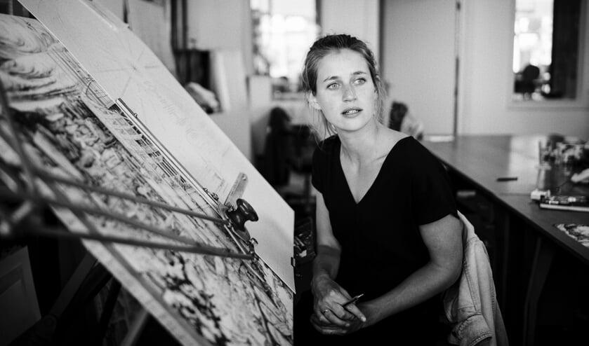 Carlijn Kingma verbeeldt de abstracte aspecten van onze maatschappij en plaatst de mens daarbij in de tijd. Foto: PR