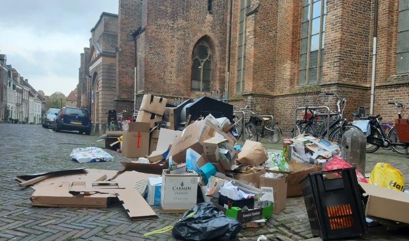 Een puinhoop naast de Broederenkerk in Zutphen. Foto: Rudi Hofman