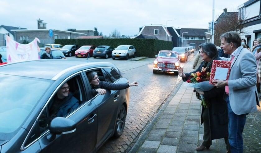 <p>Op gepaste wijze namen de collega&#39;s afscheid van het tijdperk huisartspraktijk Van Huijstee. Foto: Arjen Dieperink</p>