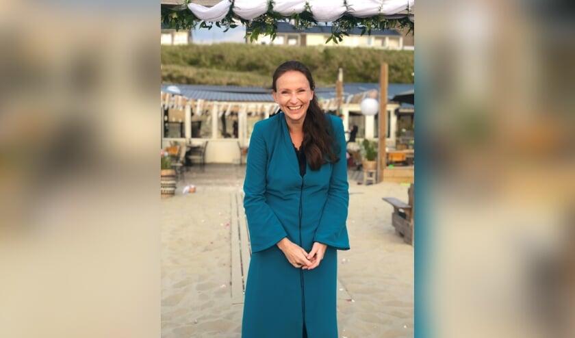 <p>Eva Schuurman trouwde in 2020 minder stellen dan vooraf gepland. Als een huwelijksvoltrekking doorging, gebeurde dat in aangepaste vorm. Foto: Meike van der Veer</p>
