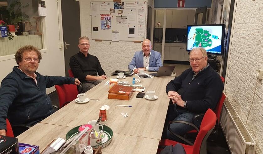<p>Van links naar rechts Jan Bart Wilschut, Erik Luiten, Hylke ter Beest en Geert Krosenbrink. Foto: Han van de Laar</p>